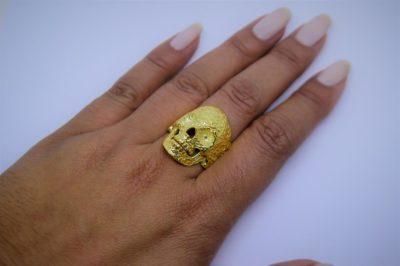Anel de Caveira em ouro 18K